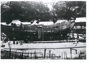 造船中の御用船