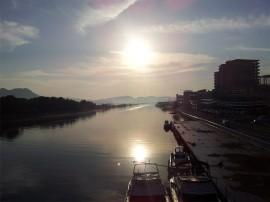 中海と宍道湖を結ぶ大橋川と朝日